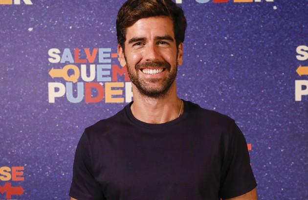 Funcionário do empório de Micaela (Sabrina Petraglia), Bruno (Marcos Pitombo) é tímido e reservado. Ele se apaixonará pela patroa (Foto: TV Globo)