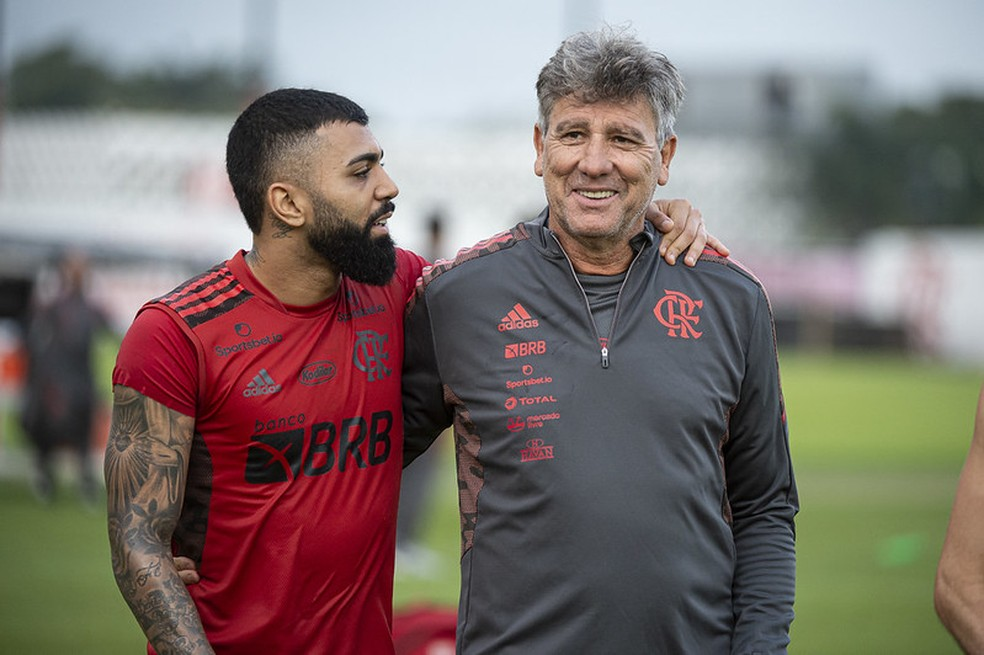 Ênfase na zaga, dicas a Michael e ambiente mais leve: os primeiros atos de Renato no Flamengo