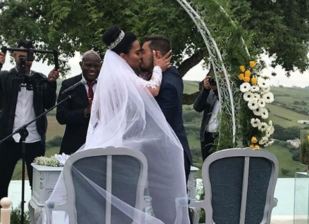 Kelly Medeiros e o noivo Marco Antônio (Foto: Reprodução/Instagram)