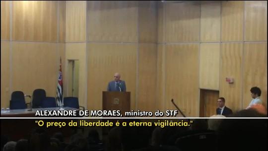 Ministros do STF criticam declaração de Eduardo Bolsonaro sobre fechar o tribunal