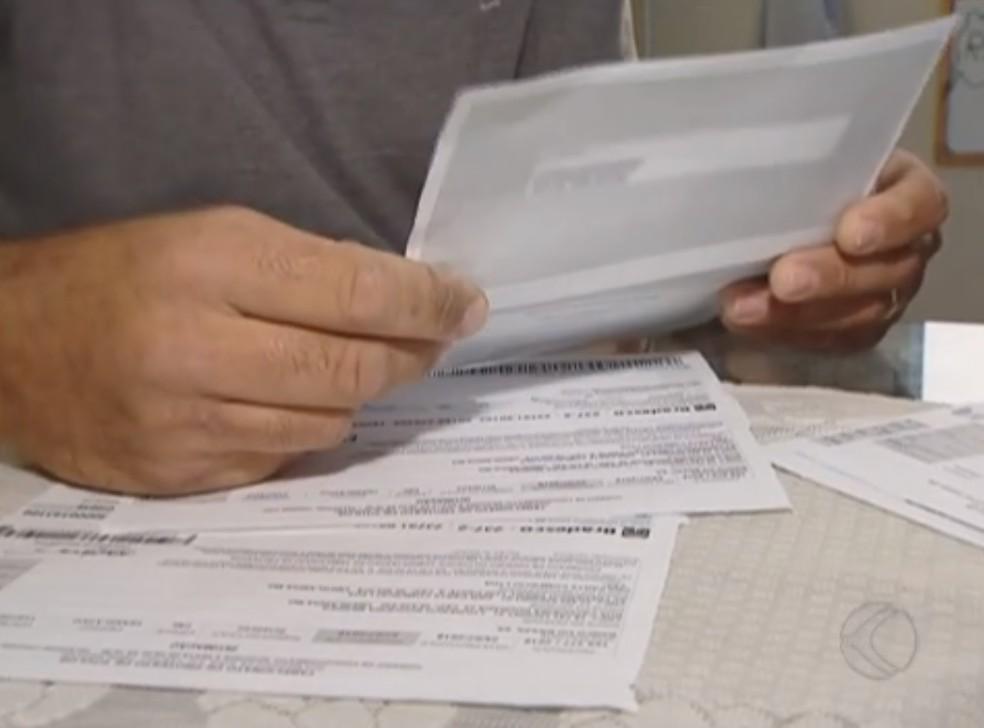 Boletos a partir de R$ 100 podem ser pagos em qualquer banco — Foto: Reprodução/TV Integraçaõ