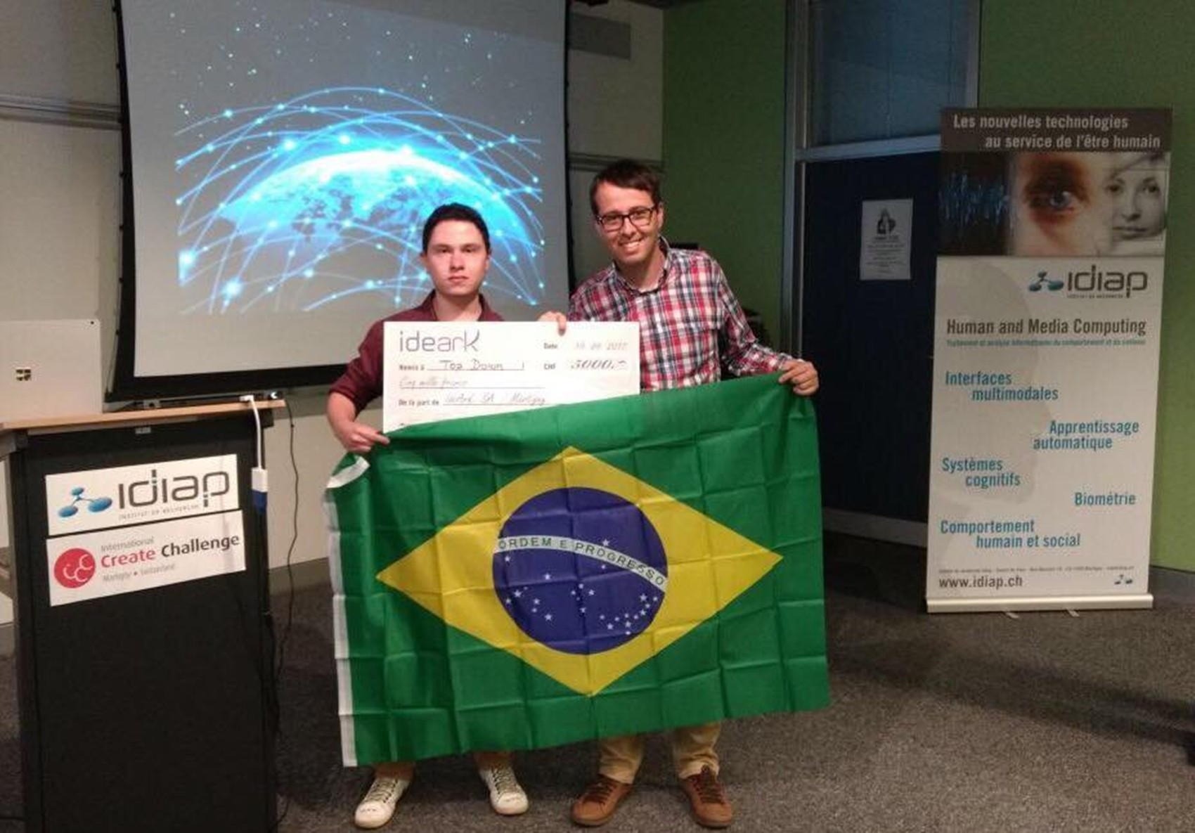 Brasileiros levam prêmio inédito em Olimpíada Internacional de Tecnologia: 'Emocionante'
