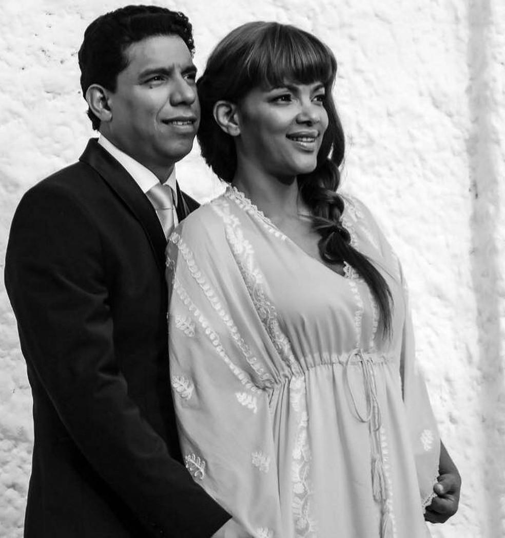 Flordelis e o marido, pastor Anderson Carmo, morto na madrugada de domingo (16) — Foto: Reprodução/ Facebook