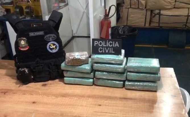 Em duas ações na mesma embarcação, polícia apreende 16 quilos de drogas em Santana