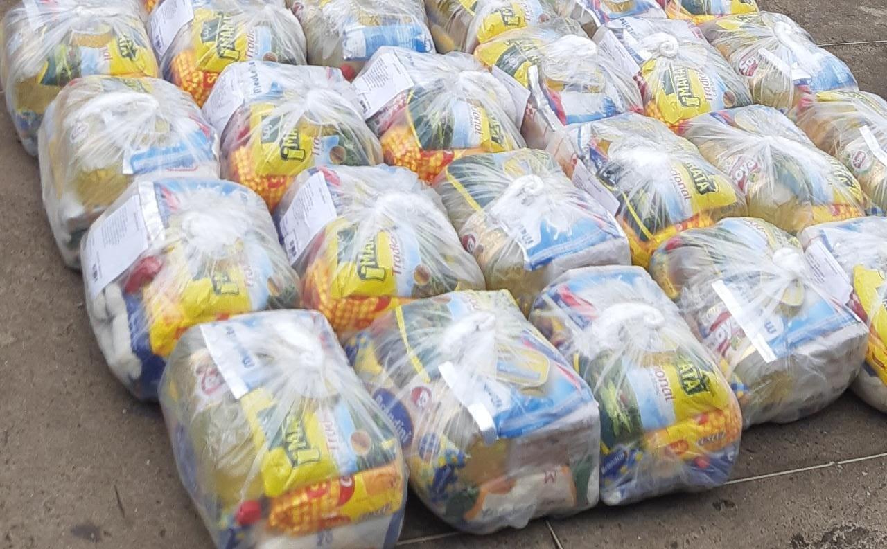Polícia Militar arrecada doações de alimentos na região de Botucatu