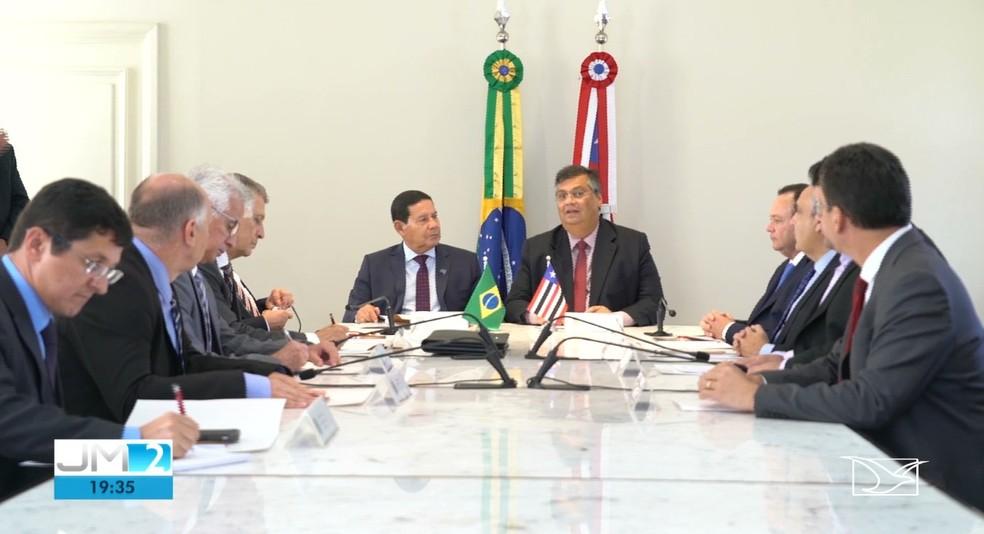 Flávio Dino e Hamilton Mourão se reuniram no Palácio do Leões para falar sobre a Amazônia Legal — Foto: Reprodução/TV Mirante