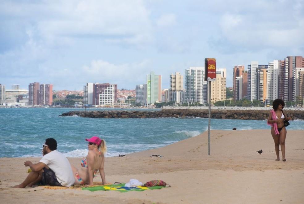 Fortaleza tem sete trechos de praias impróprios para banho neste fim de semana, aponta Semace