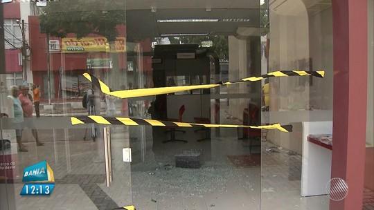 Áudio gravado por morador revela violência dos ataques contra bancos e lojas em Catu, na Bahia: 'Chovendo bala'