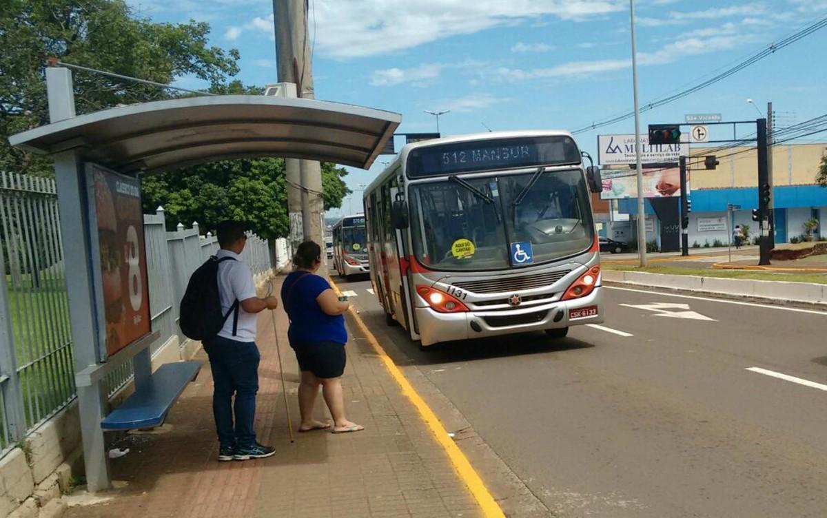 Autistas são incluídos entre os que têm preferência por assentos no transporte coletivo de Campo Grande
