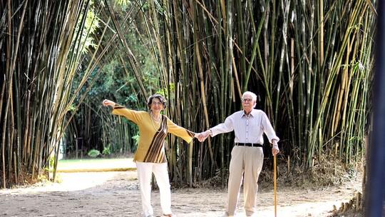 Casal comemora 70 anos de casamento com ensaio; veja fotos