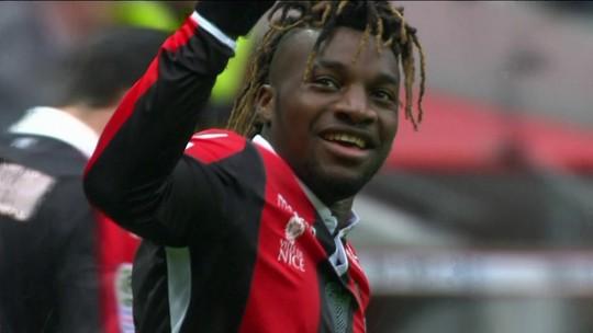 Gol do Nice! Saint-Maximin toca na saída de Aréola para marcar aos 16' do 1º tempo