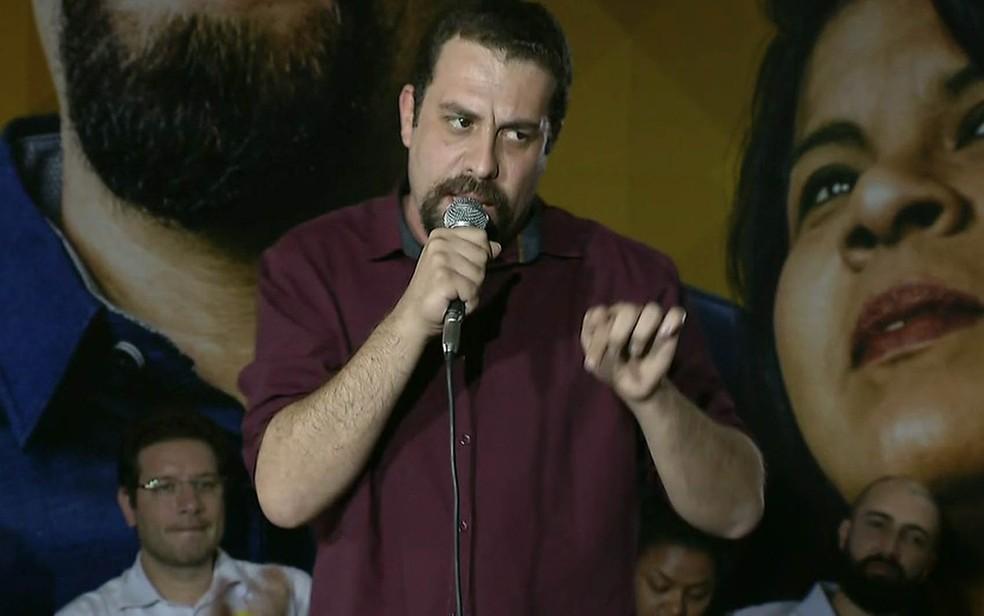 Guilherme Boulos discursa em convenção do PSOL (Foto: Reprodução/GloboNews)
