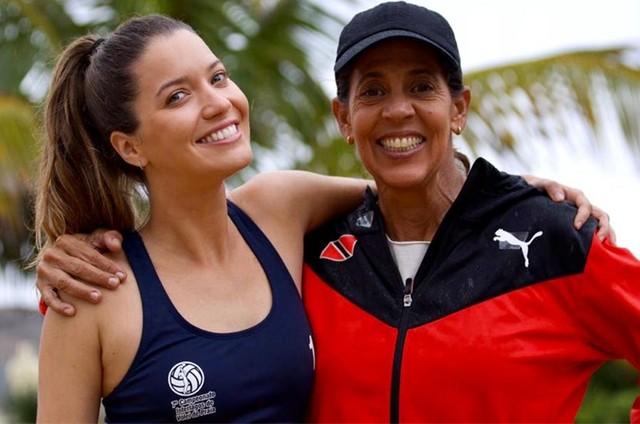 Nathalia Dill e a campeã olímpica Jackie Silva (Foto: Auri Mota)