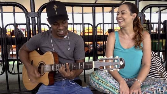 Briza conhece histórias de pessoas na travessia Salvador-Itaparica