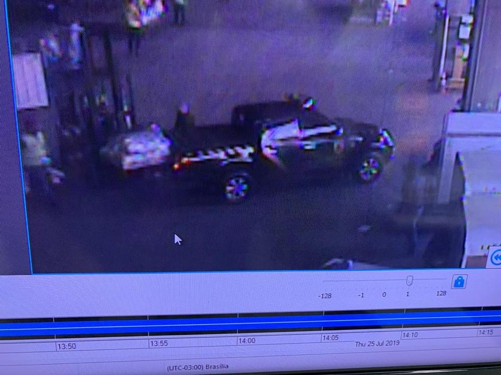 Carro utilizado para o roubo — Foto: Reprodução