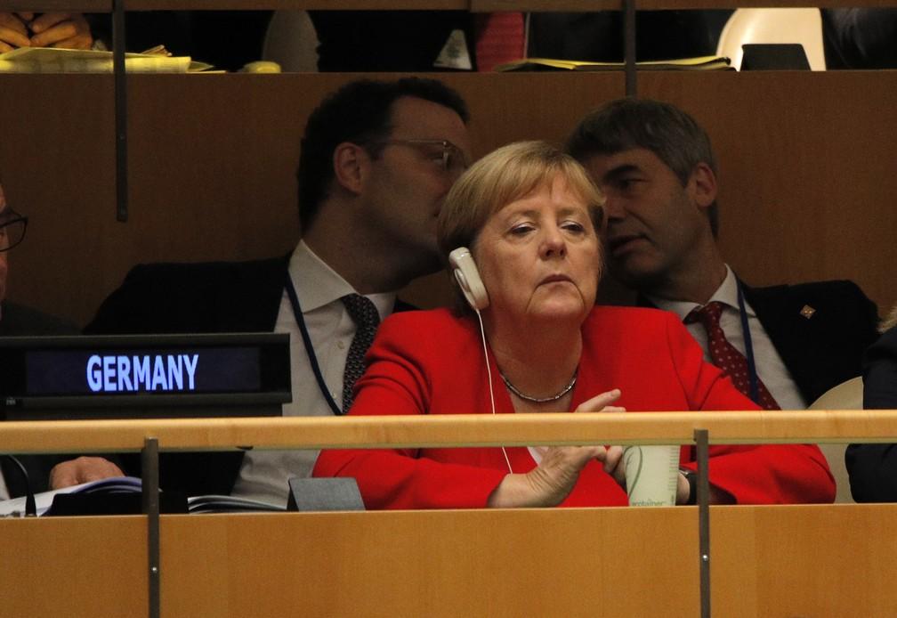 A chanceler alemã, Angela Merkel, escuta os discursos durante o debate geral da ONU, nesta terça-feira (24). — Foto: Brendan Mcdermid/Reuters