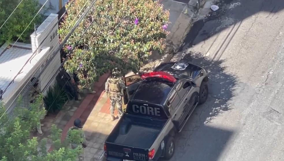 Polícia esteve no prédio em que Lorenza morava com o marido, no bairro Buritis, em BH — Foto: Arquivo pessoal