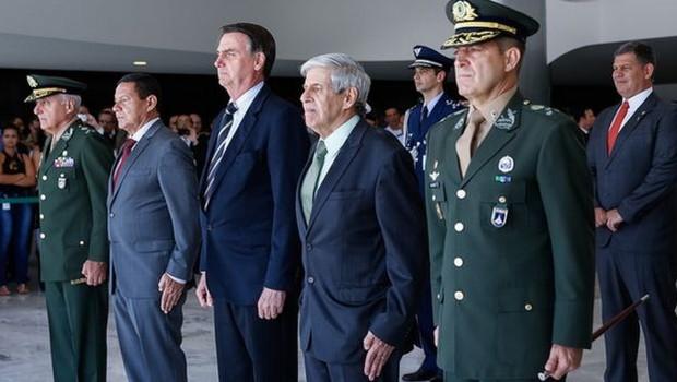 Para especialistas, pressão de militares que integram o governo e do setor de exportações pode 'freiar' estratégia de política externa que desagradem países árabes e a China (Foto: CAROLINA ANTUNES/PR via BBC News Brasil)