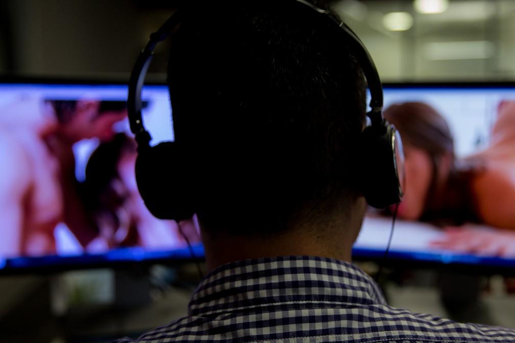 Pesquisa revelou que 76% dos consumidores de pornô no Brasil são homens (Foto: Fábio Tito/G1)