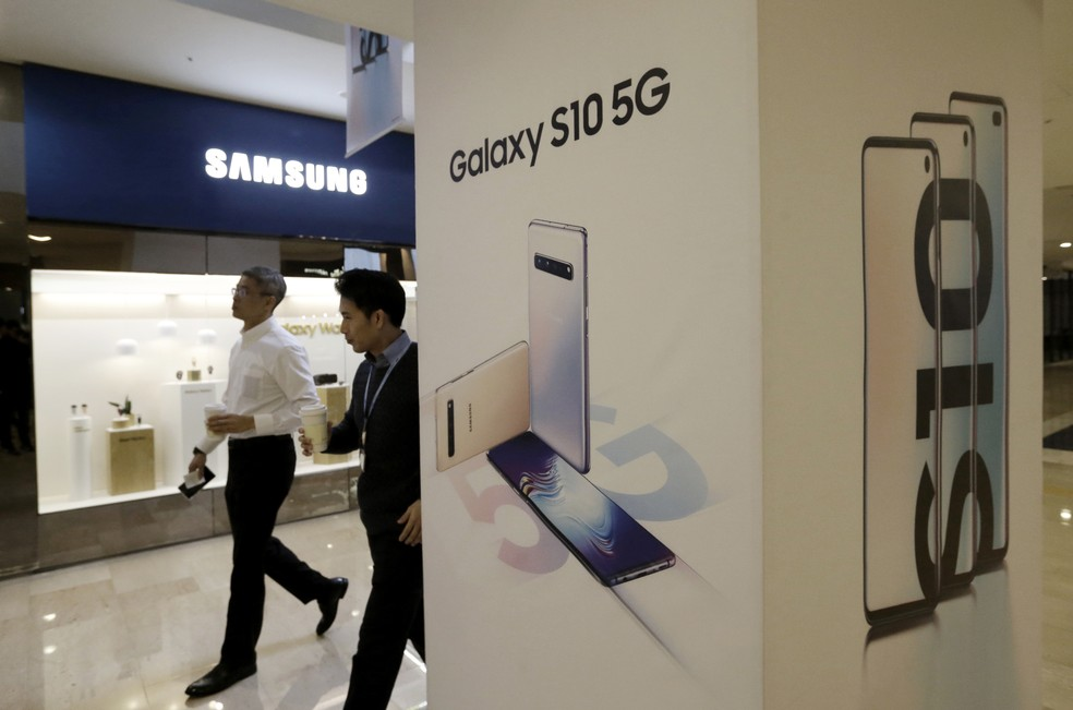 Samsung lançou na Coreia do Sul primeiro smartphone 5G do mundo — Foto: AP Photo/Ahn Young-joon