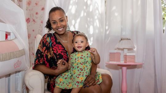 Roberta Rodrigues celebra maternidade e afirma: 'Nunca abaixei a cabeça para nenhum tipo de preconceito'