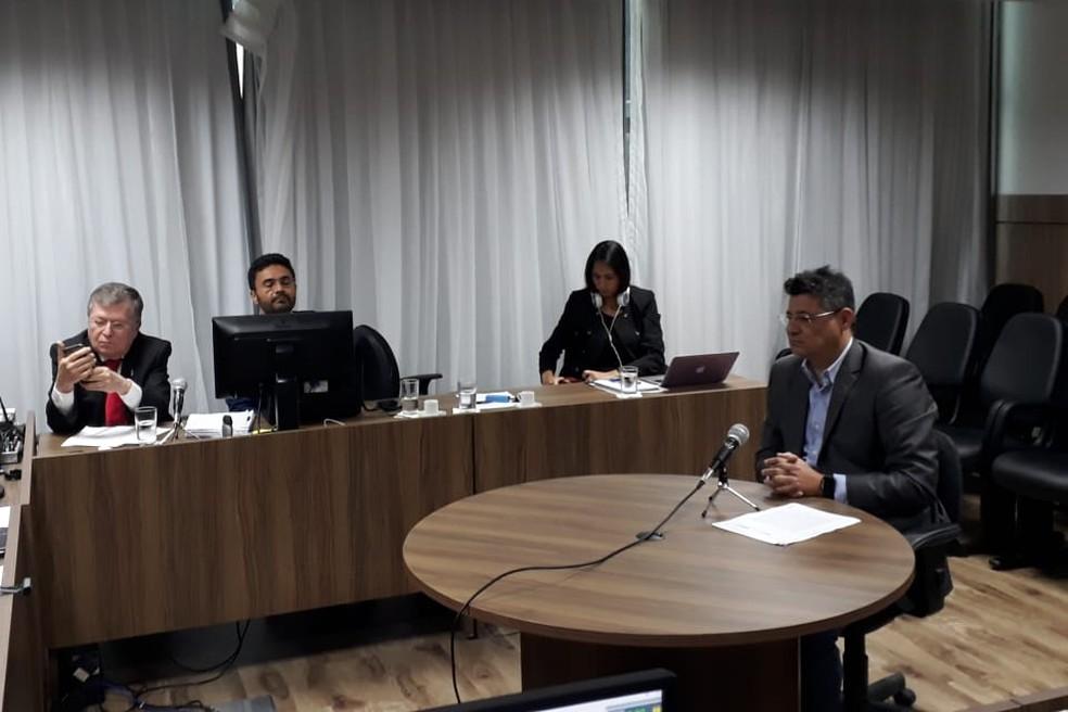 Empresário Fred Queiroz presta depoimento à Justiça Federal no processo da Operação Manus (Foto: Marksuel Figueredo/Inter TV Cabugi)