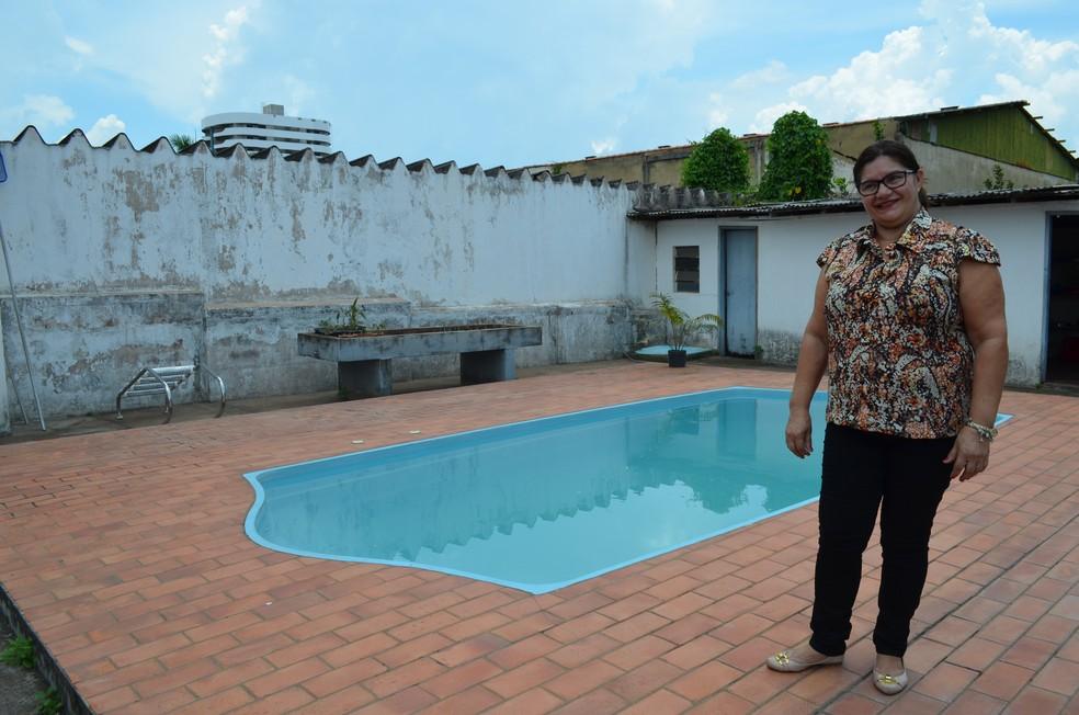 Piscina também é uma das opções oferecidas pela empresária em Porto Velho (Foto: Hosana Morais/G1)
