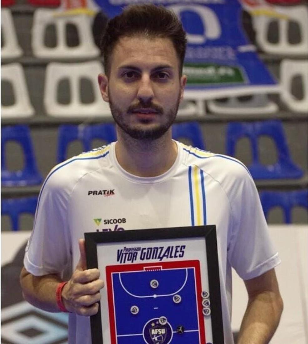 Paulo Vitor Golzales Debia era coordenador da base do Umuarama Futsal — Foto: Umuarama Futsal/Divulgação