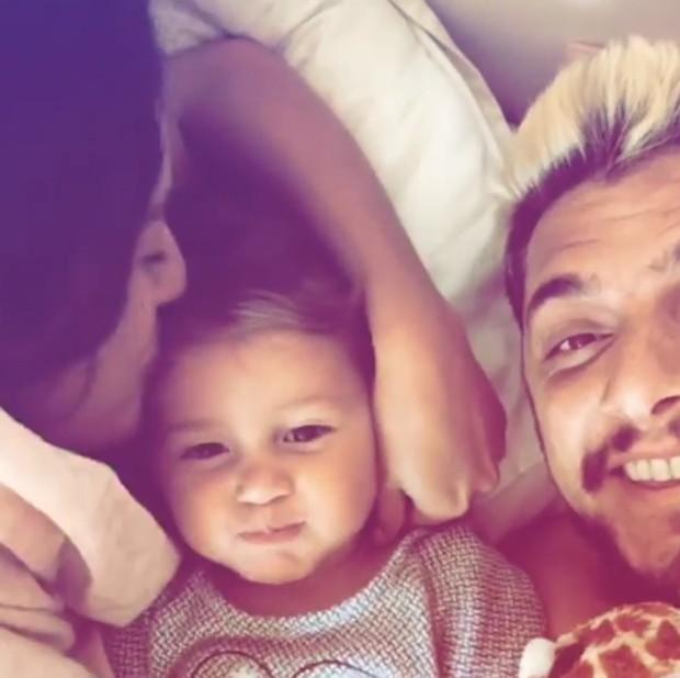 Yanna Lavigne e Bruno Gissoni com a filha, Madalena (Foto: Reprodução/Instagram)