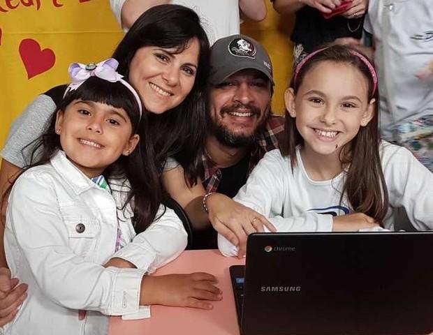 Maíra com a família (Foto: Arquivo pessoal)