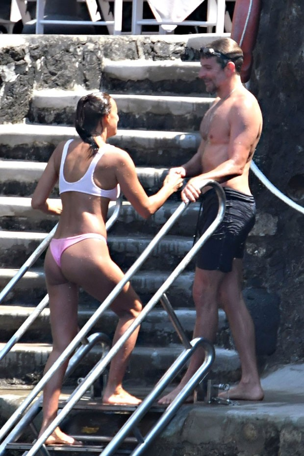 Irina Shayk e Bradley Cooper (Foto: Backgrid)