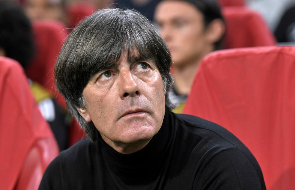 O técnico Joachim Löw, que está sob risco no comando da seleção da Alemanha — Foto: Piroschka Van de Wouw/Reuters
