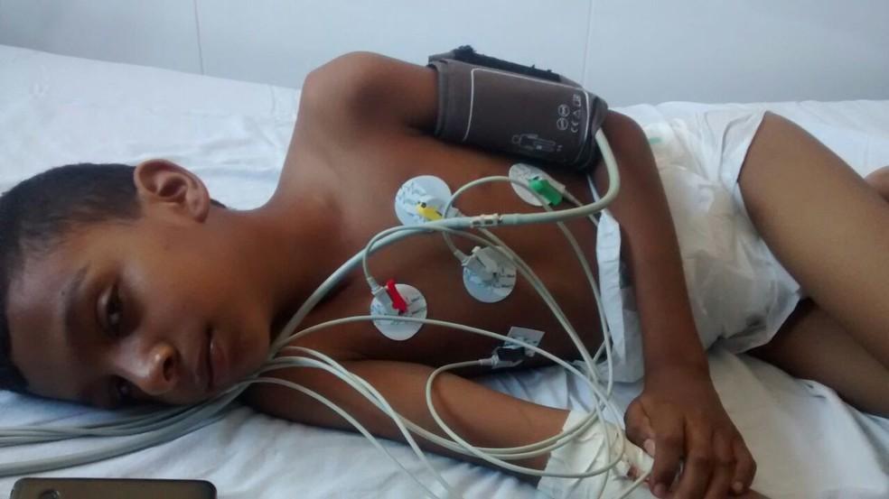 Luiz Fernando Batista Alves Júnior foi diagnosticado com aneurisma cerebral (Foto: Ivan de Jesus/Centro América FM)