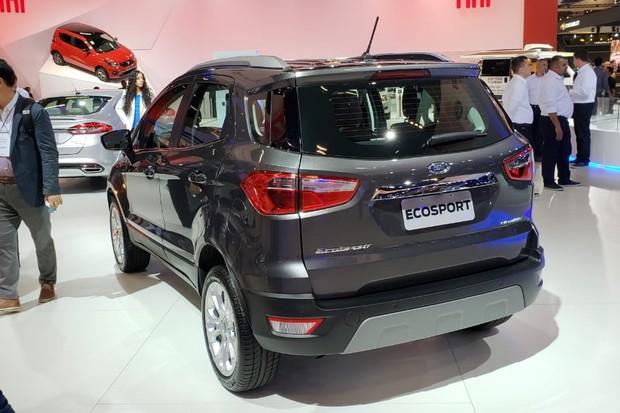 Ford EcoSport perdeu o estepe no porta-malas na versão Titanium (Foto: Tabatha Benjamin/Autoesporte)