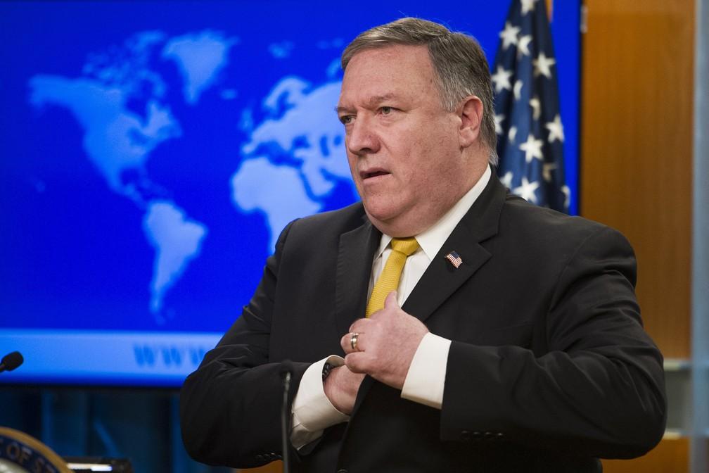 Mike Pompeo fala sobre decisão da Corte Internacional de Justiça a respeito de sanções contra o Irã — Foto: Cliff Owen/AP