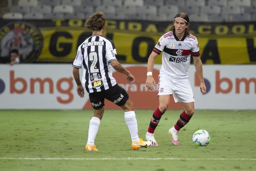 Filipe Luís durante a partida do Flamengo contra o Atlético-MG — Foto: Alexandre Vidal/Flamengo