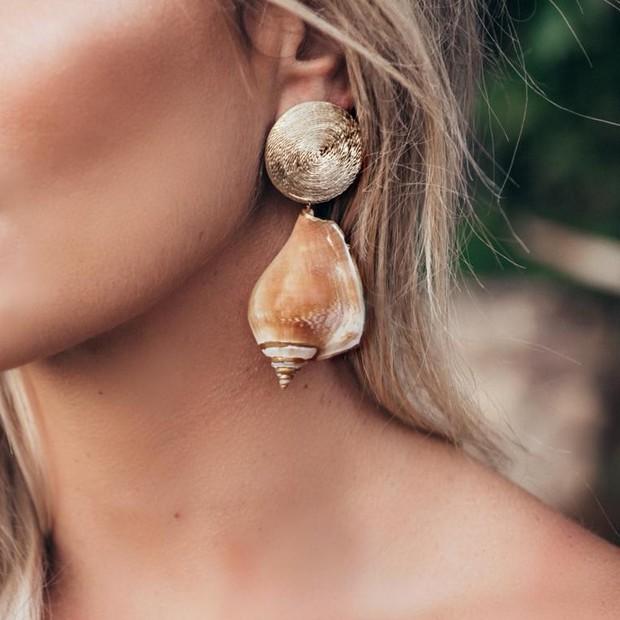 Brinco de concha da coleção Mar Serenou de M.Loures (Foto: Divulgação)