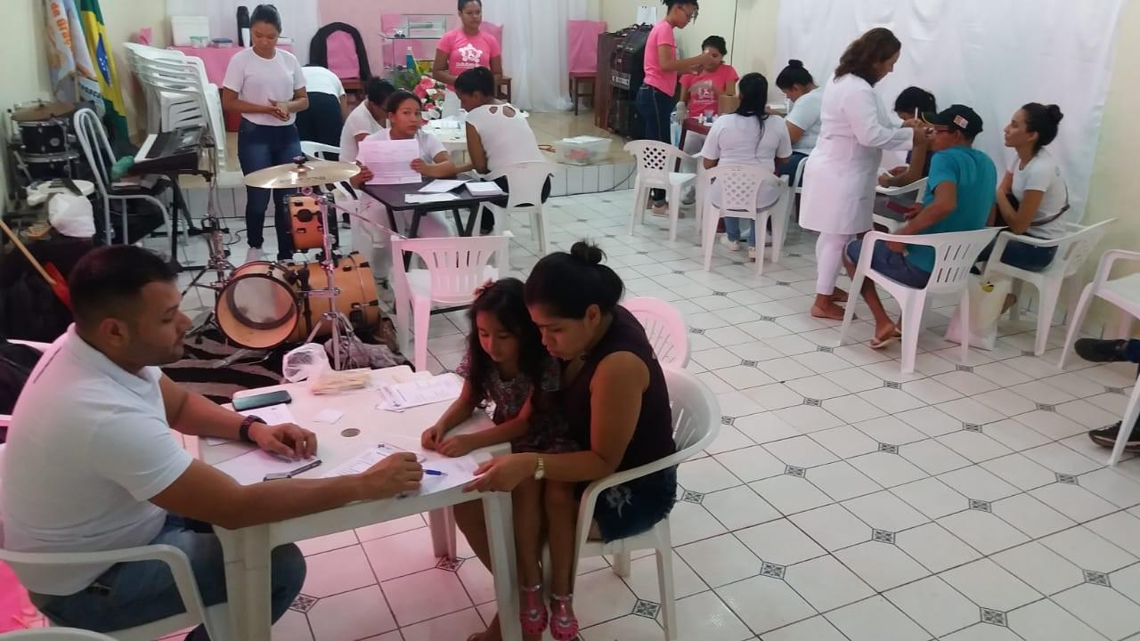 Moradoras de habitacional de Macapá buscam atendimentos para evitar câncer de mama e de útero