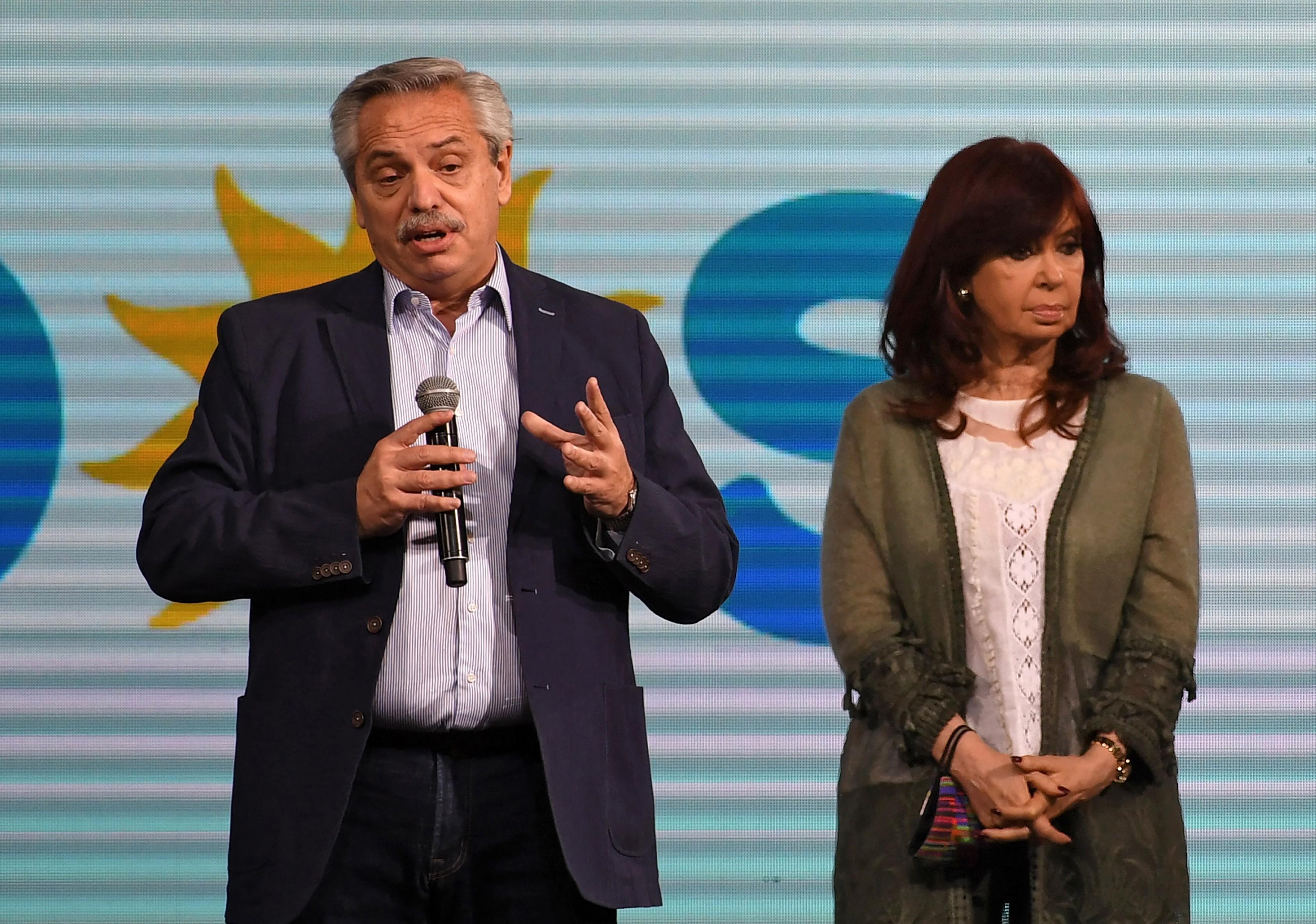 Presidente argentino cancela viagens ao exterior para evitar que Cristina Kirchner assuma durante ausência
