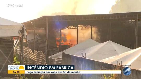 Simões Filho: empresa de locação de equipamentos é atingida por incêndio