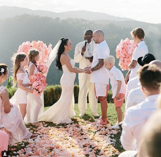 O casamento do pai de Justin Bieber; canto foi padrinho (Foto: Reprodução Instagram)