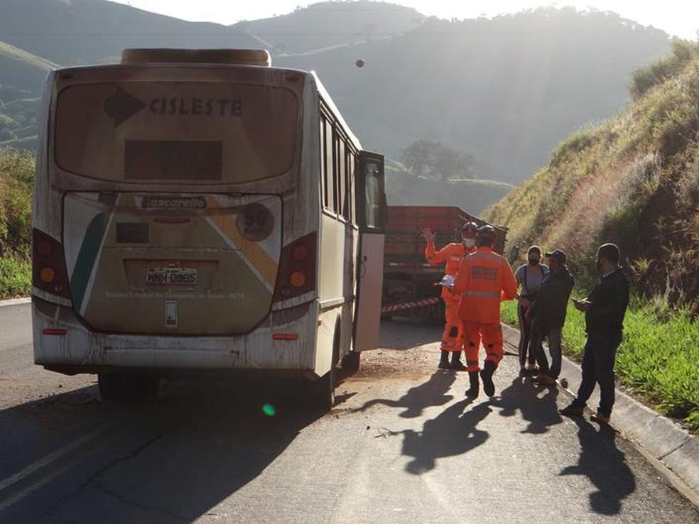 Colisão ocorreu na BR-356 em Muriaé — Foto: Silvan Alves/Divulgação