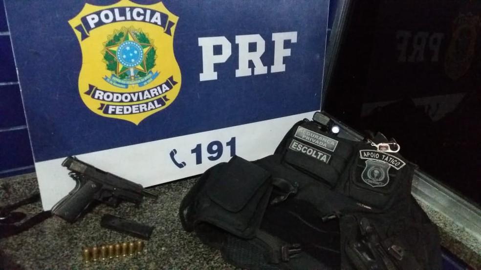 PRF detém francês procurado pela Polícia Federal com documento irregular no Ceará