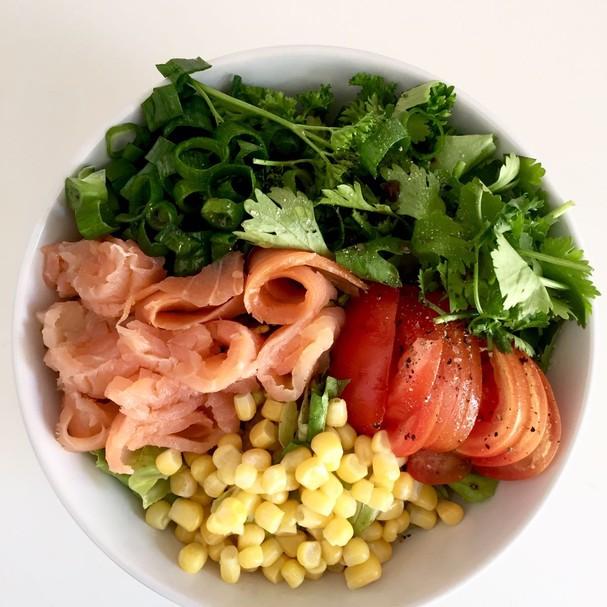 Almoço: salada + proteína (Foto: Divulgação)