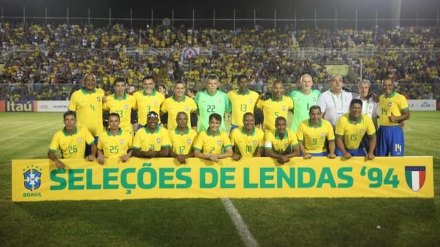 O time brasileiro na partida no PV