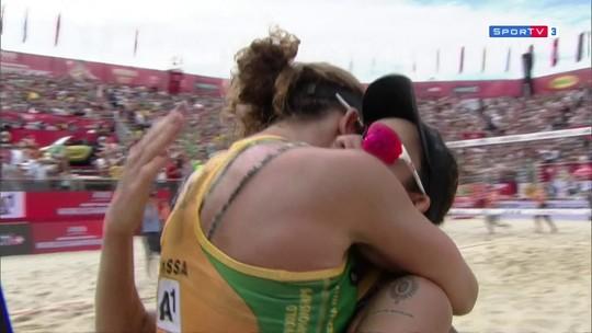 Em jogo dramático, Larissa/Talita vence canadenses e leva o bronze no Mundial