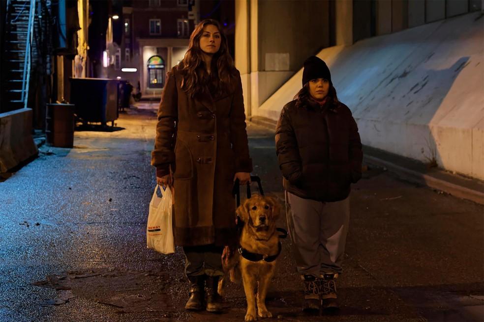 Murphy (Perry Mattfeld) e Jess (Brooke Markham) em cena de 'No Escuro' — Foto: Divulgação