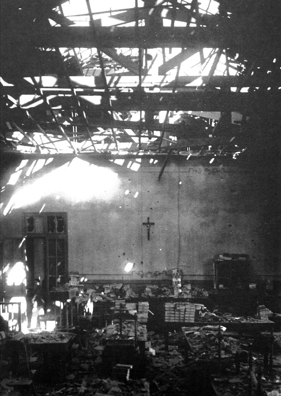 Liceu Coração de Jesus atingido por uma granada revoltosa — Foto: Acervo Alesp