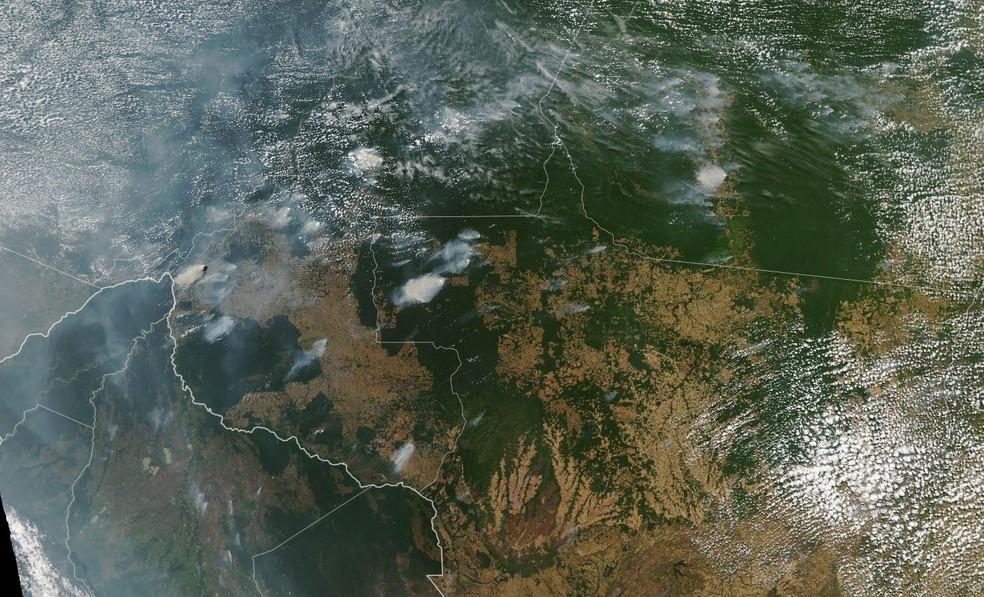 Fumaça de queimada avança sobre a Amazônia — Foto: Aqua/Nasa/Reprodução