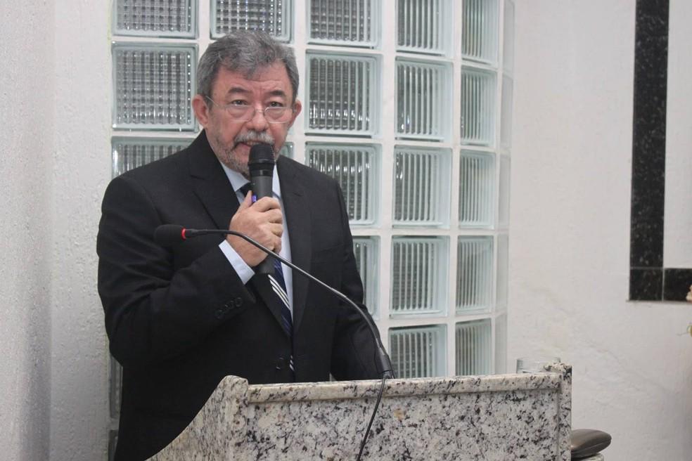 Prefeito de Angicos, Deusdete Gomes de Barros, também é alvo da ação — Foto: Claudinho Fotografias/Assessoria da Prefeitura de Angicos